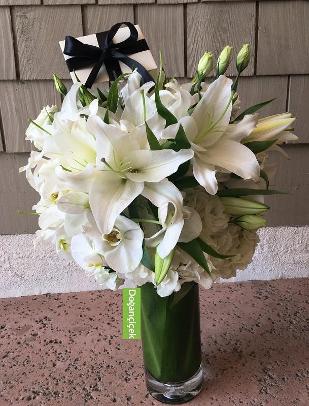 Beyaz Orkideli Lilyum Arajmanı
