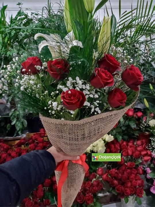 Sevgiliye Aşk Kolan Buket Çiçek parseller çiçekçi avcılar parseller çiçek siparişi